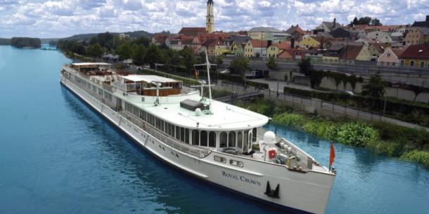 Teeming River Cruises
