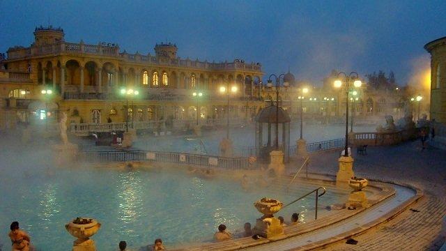 SZECHENYI BATH OUTDOOR POOL