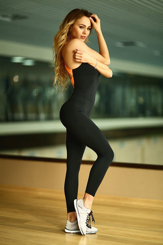 В обтягивающей спортивной одежде, секс ужас украина