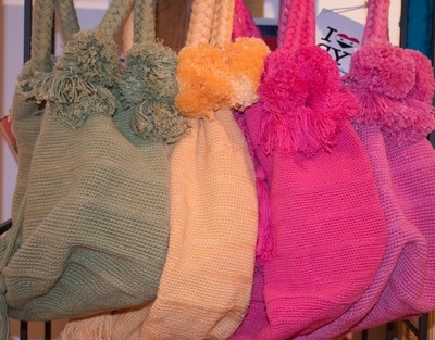 Handwoven bags by internally displaced Syrian refugee women  (different colors)- I LOVE SYRIA project