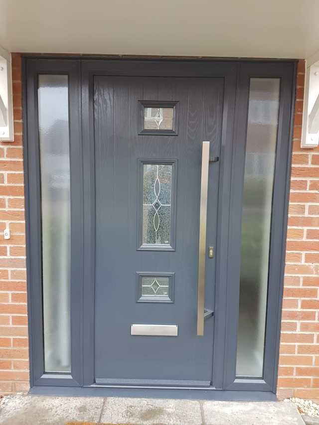 Mid 3 Square Composite Door And 2 Side Panels