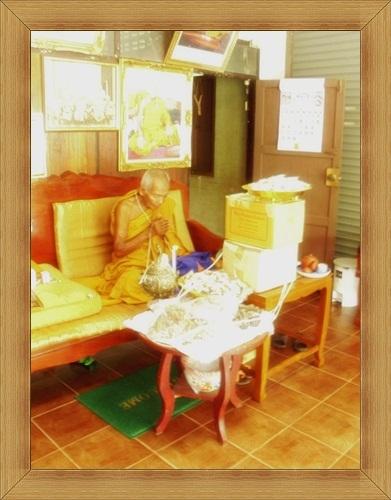 Por Tan Kloi Anomo - Wat Phu Khao Tong