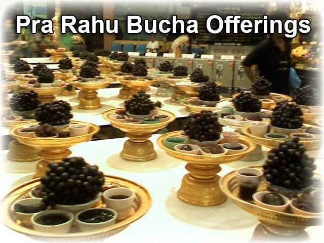 Offerings to Pra Rahu