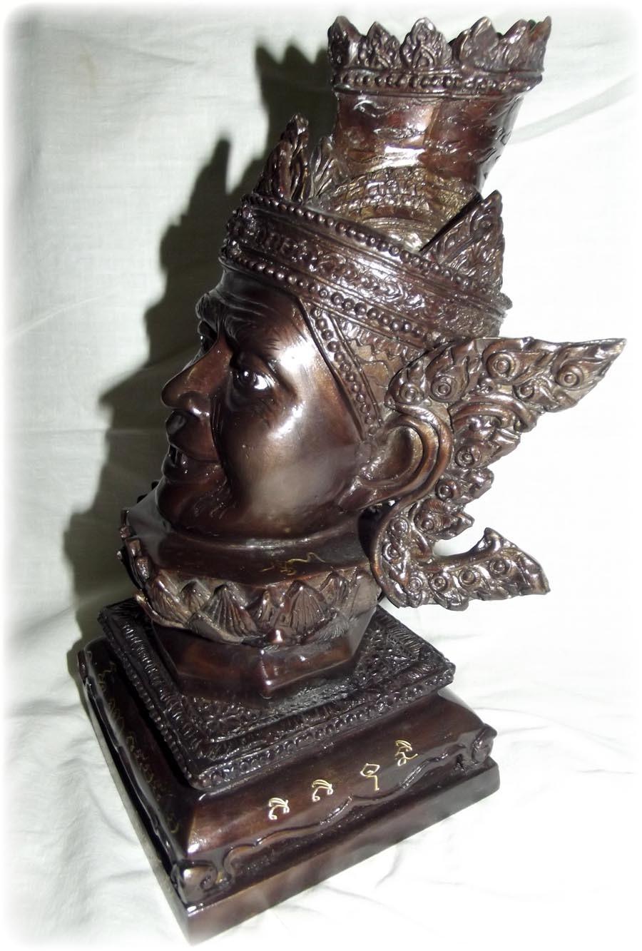 Siran Por Gae Bucha statue by Luang Por Pramote of Wat Khao Changum