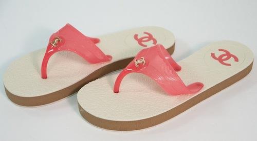 1d10c88a61e5 New in Box Chanel Pink Thongs Sandals 36