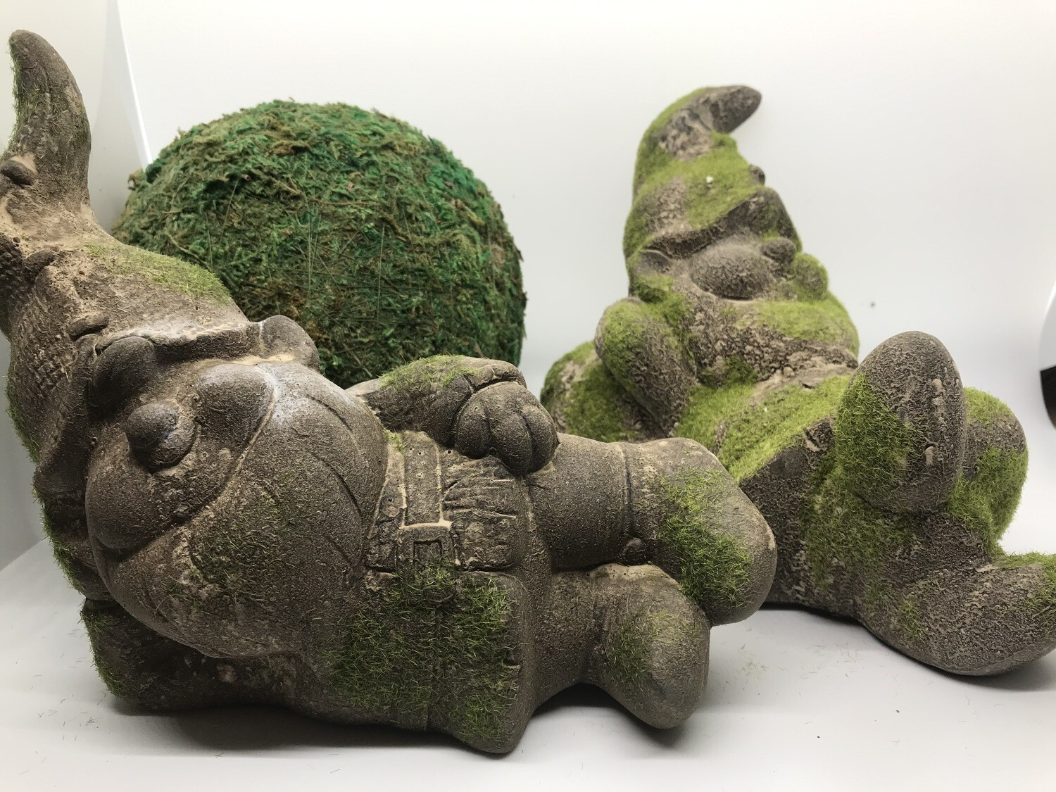 Mossy Lazy Gnome