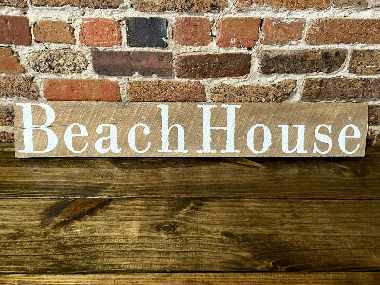 """""""Beach House"""" Barn Wood Sign"""
