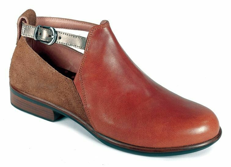NAOT KAMSIN SHOE WITH REMOVABLE FOOTBED