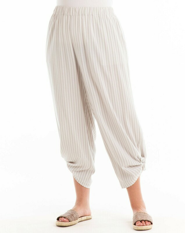 ECPAVST Plus Avila Stripe Capri in Natural