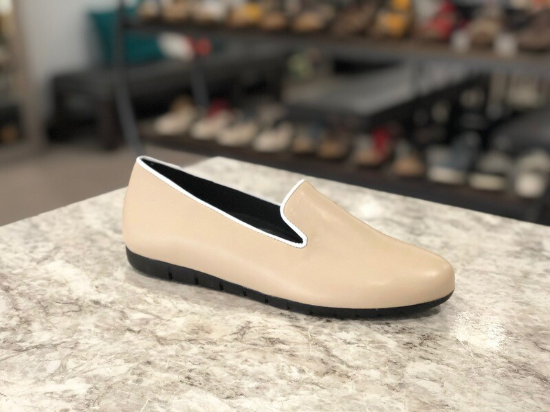 Bruselas Beige w/ White Trim Loafer
