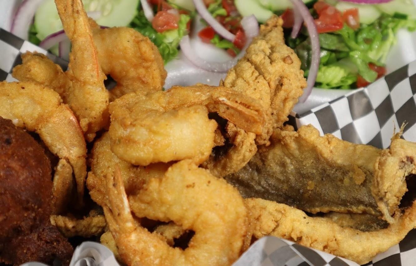 3pc Shrimp/1pc Fish Sampler w/Fritter