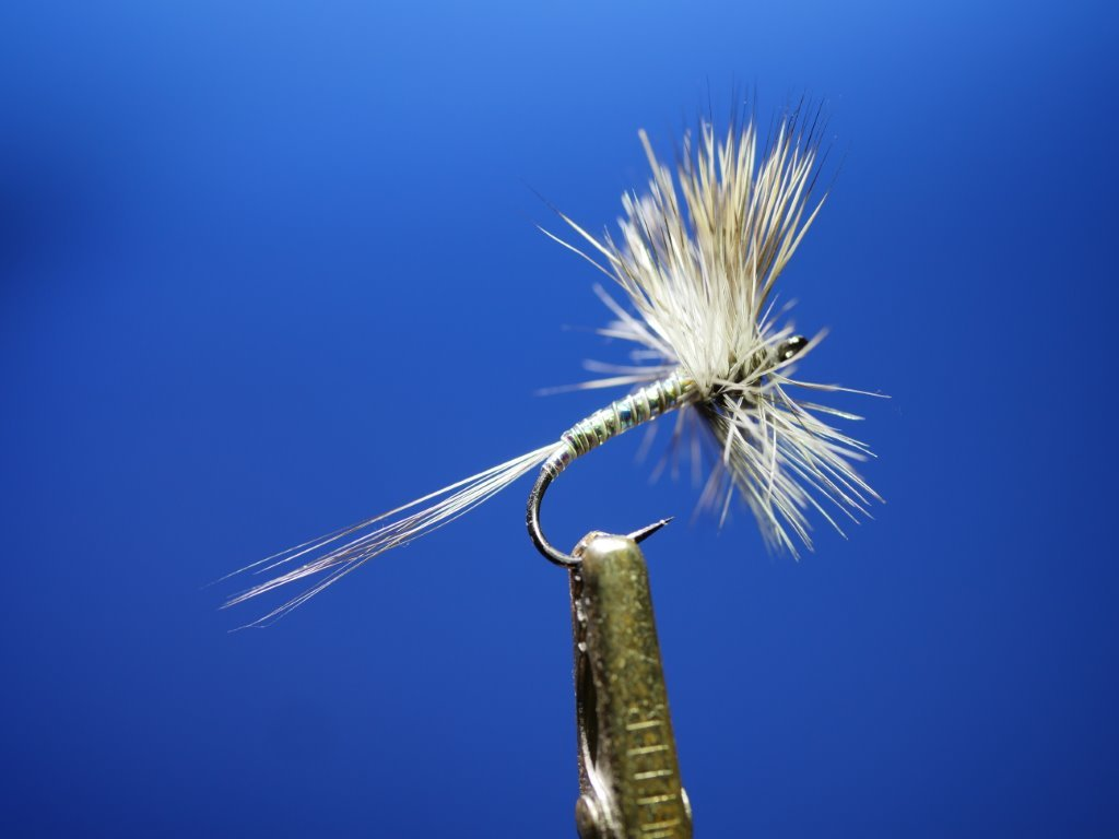 Tying Effective Flies for the Oregon Cascades Lakes 212