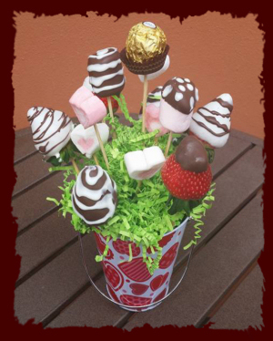 Copa De Fresas Con Chocolate Decorado