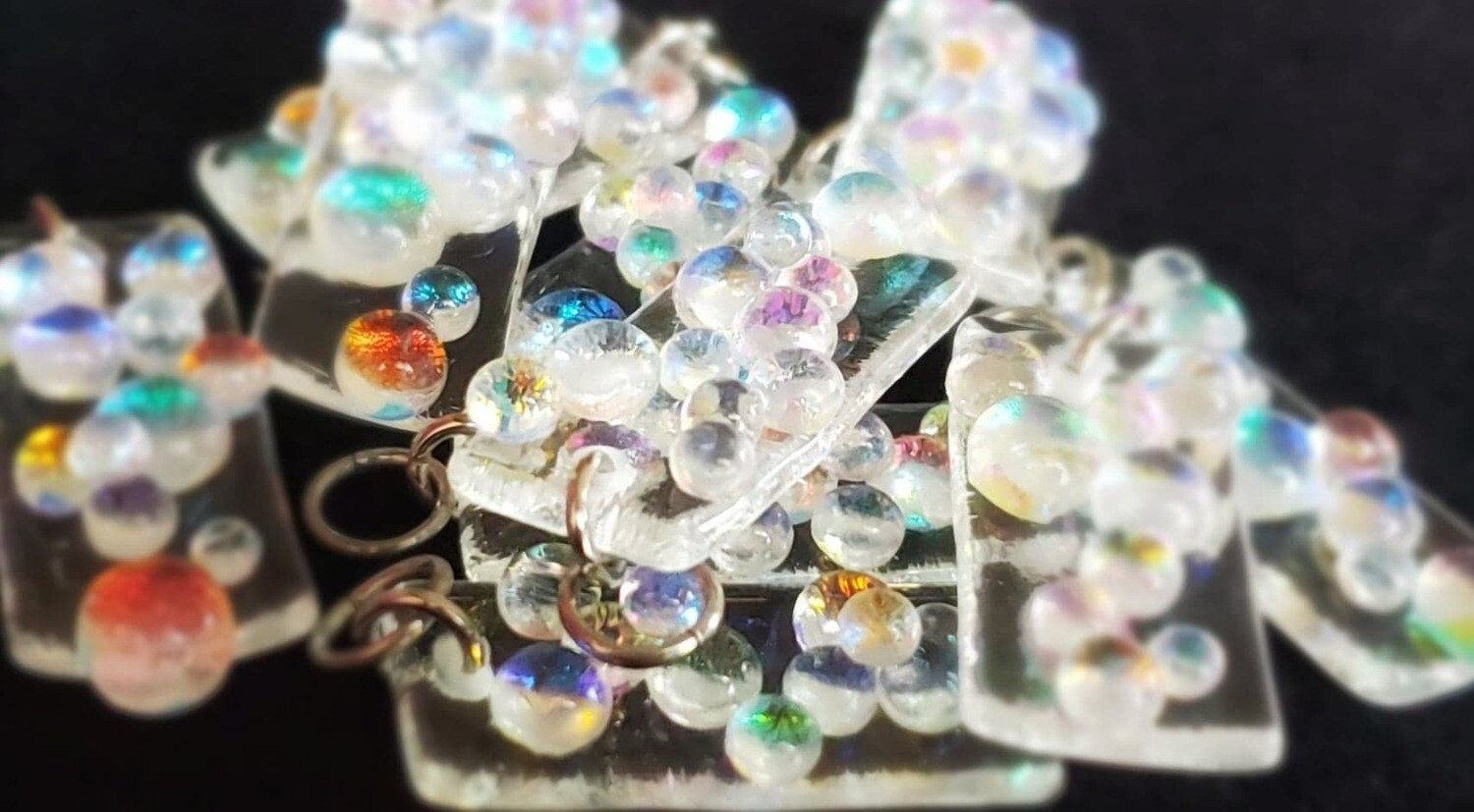Hot Glass Dewdrop Pendants (Shiny)