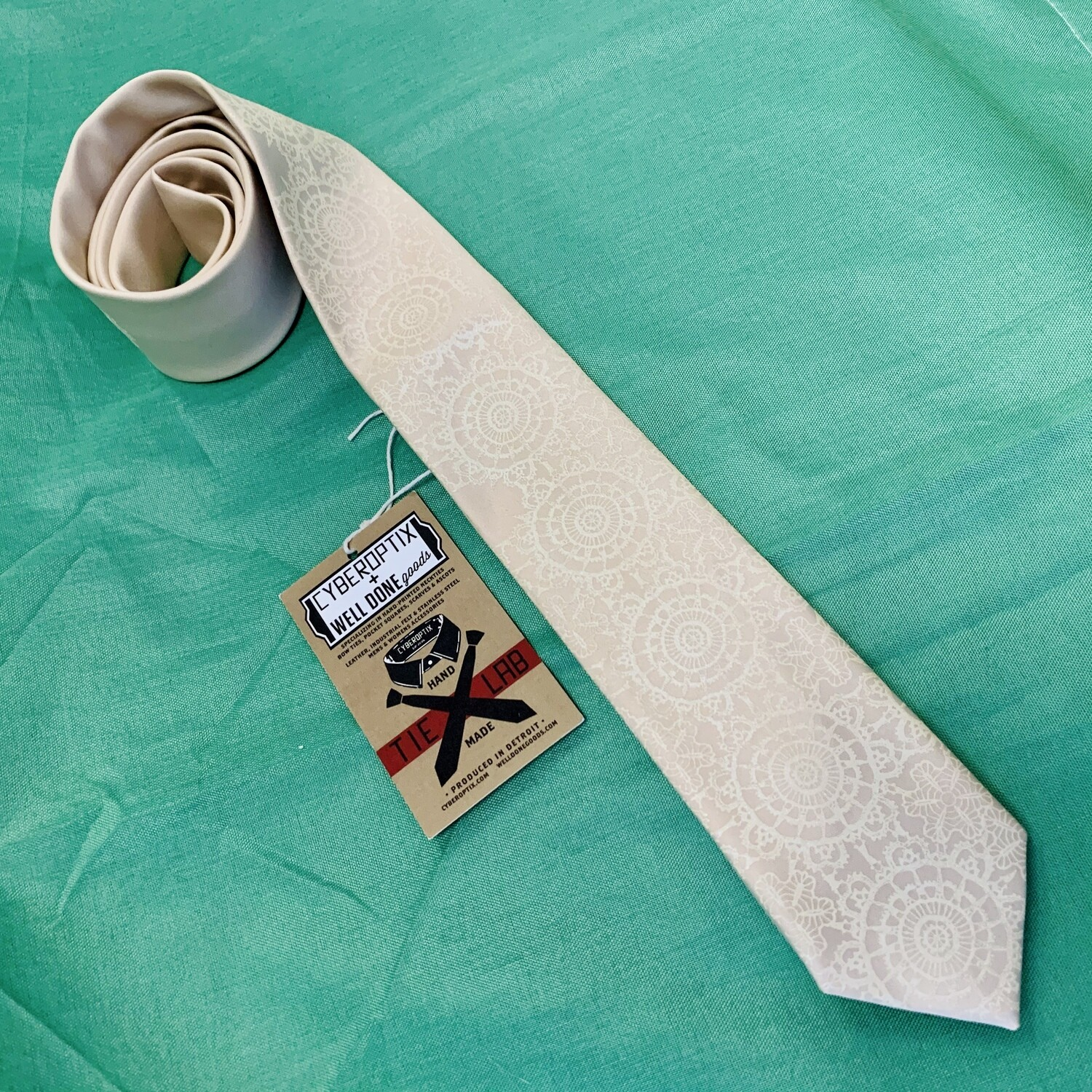 Cottage Lace, Warm Cream on Champagne - Narrow Tie