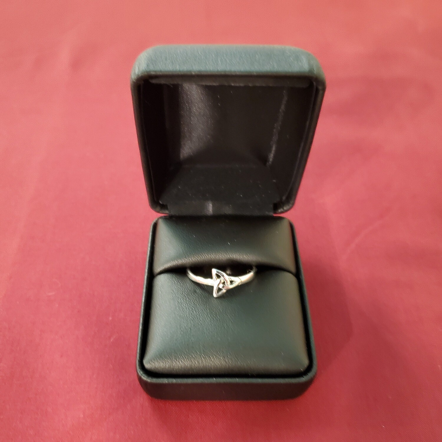 SS Triquetra Ring