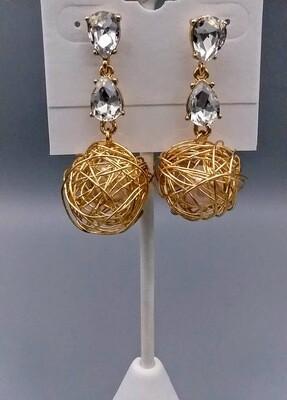 Basket pearl earring