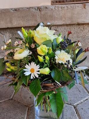 Blumenstrauss in weiss
