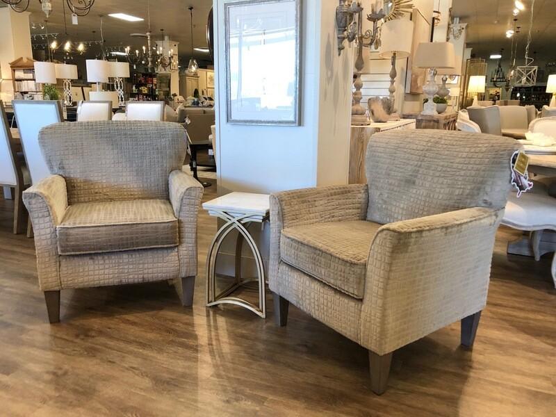 2-LR15 SA25 Club Chair in Fabric: 20809