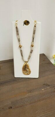 Jessi Mo's Oyster Shell Necklace - Athens