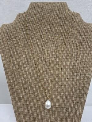 Cotton Tear Drop Pearl Necklace