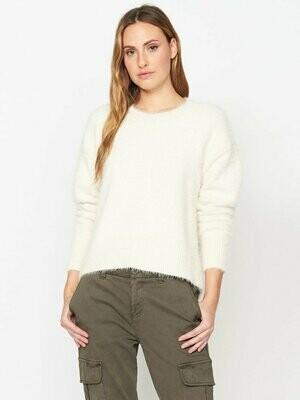 Cream Eyelash Super Soft Pullover