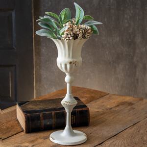 CTW - Tall Scalloped Cup With Base - 790091