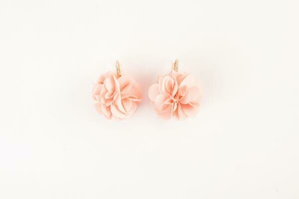 VB Olivia French Wire Fluff Earrings Rose