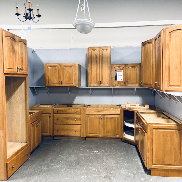 Maple Kitchen Cabinet Set with Pantry