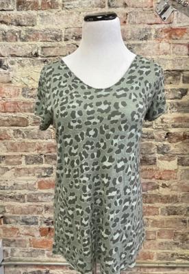 Lookmode - ONE SIZE Cheetah Print Tee - Mossy Green