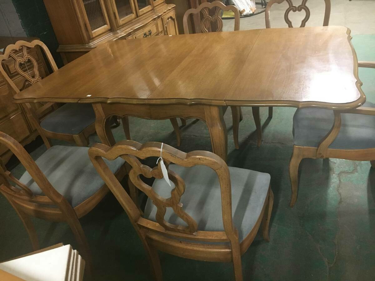 Walnut Drop-leaf Dining Table with 6 Chairs, Thomasville