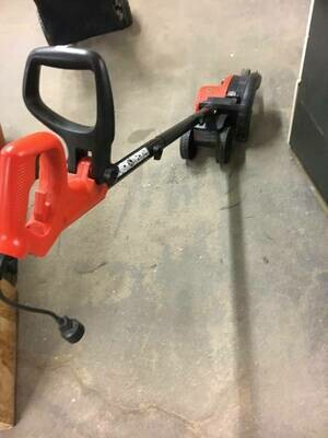 Black and Decker corded electric edger trimmer