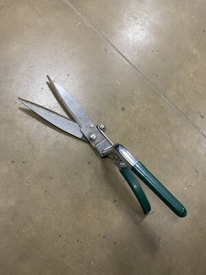 Small Hedge Clippers - Green Handle
