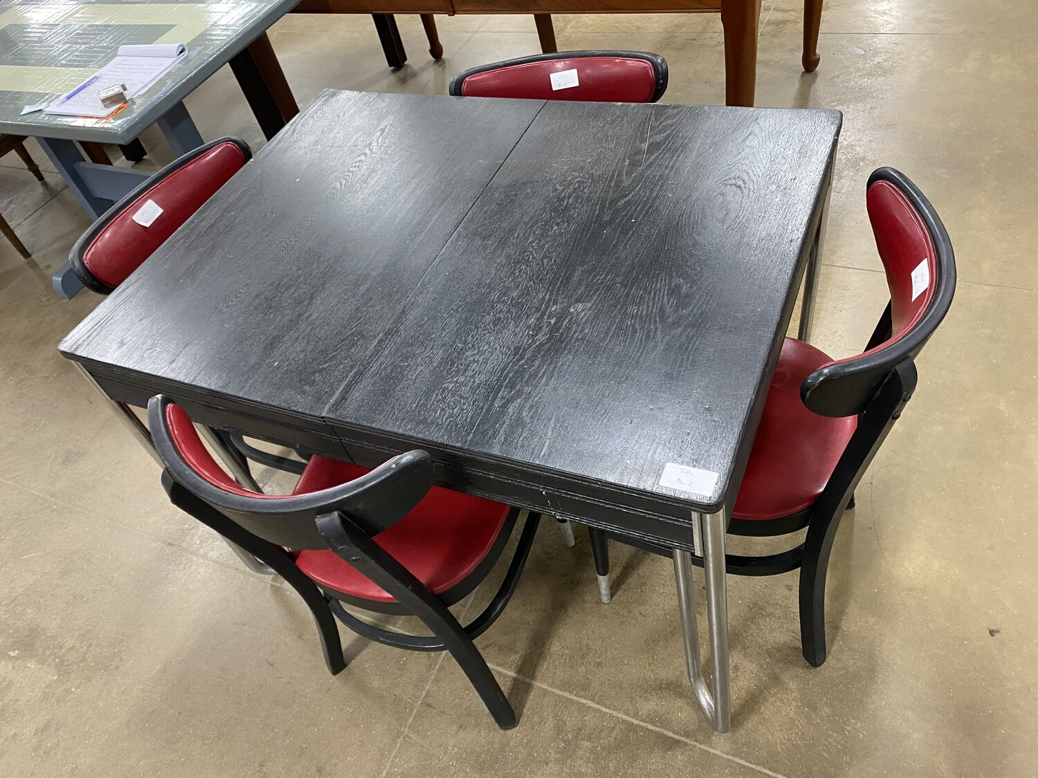 Dining Table with 4 chairs - Black & Red