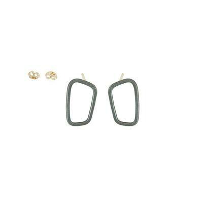 E345X Squ Blk Stud Earrings