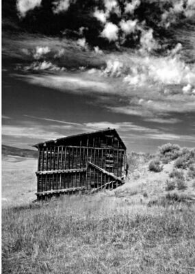 BAR RESTFUL 30X40 B&W Barn