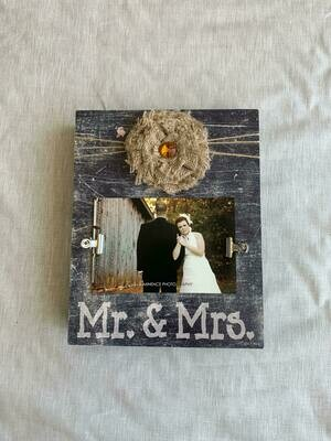 8x10 Mr & Mrs. Box frame