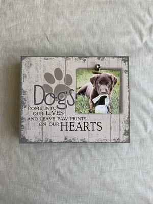 Paw prints on our Heart box frame w clip