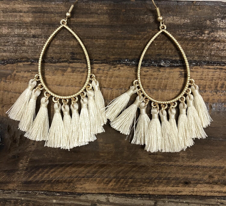 Tassel oval earrings