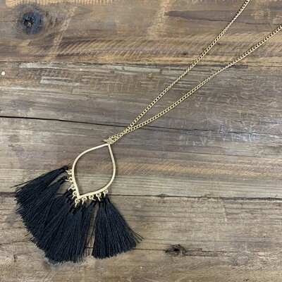 Tassel Pointed Oval Necklace