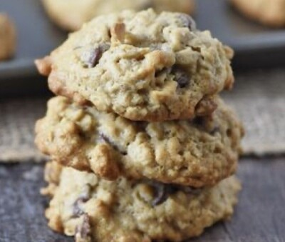 Oatmeal Chocolate Chunk Cookie