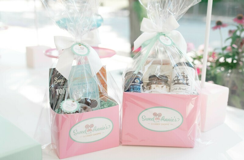 Deluxe Candy Lovers Basket