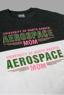 Mom Gildan T-Shirt
