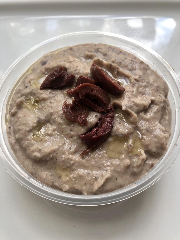 Kalamata Hummus