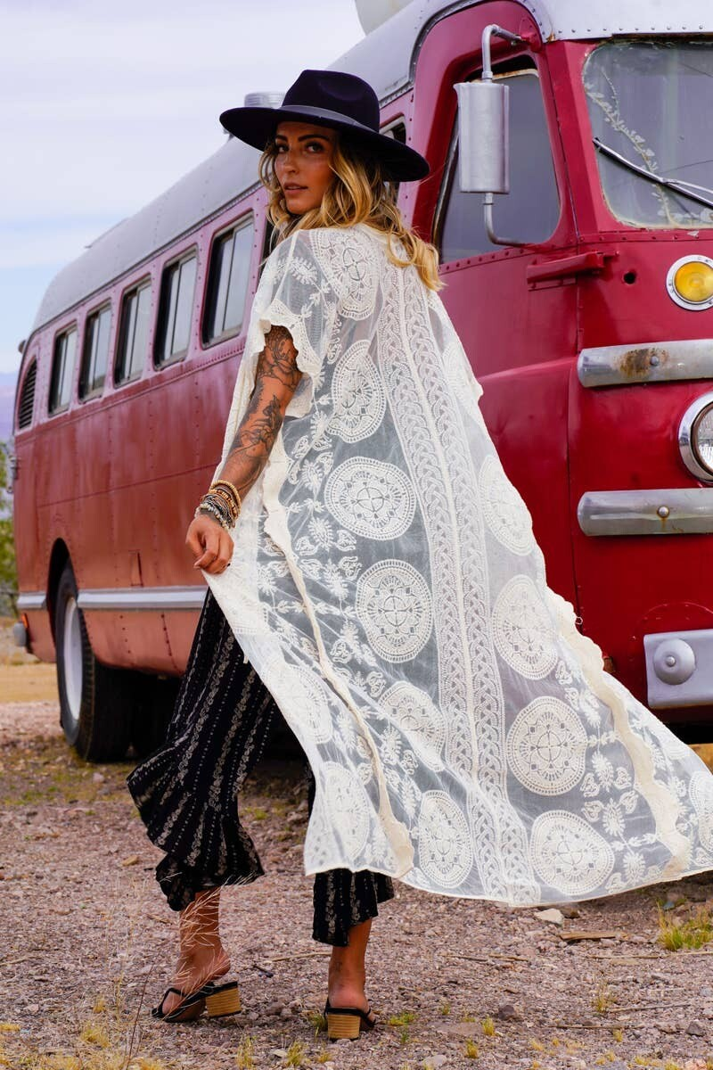 Cheri Scallop Lace Duster- Ivory