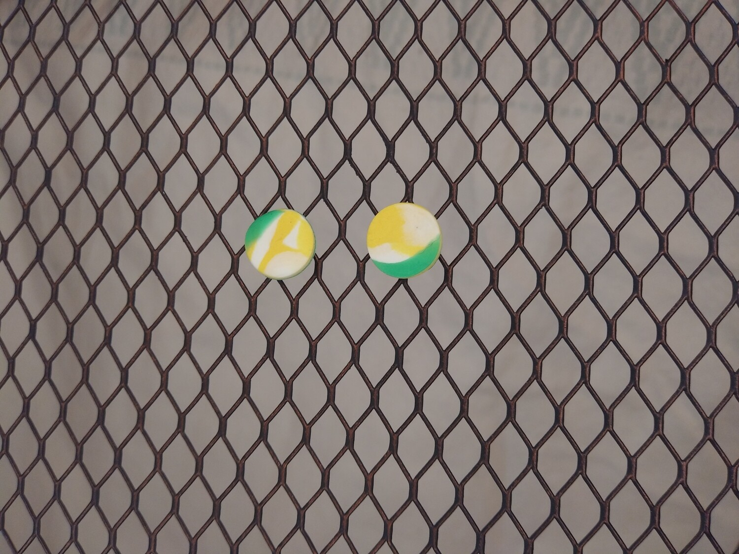 Yellow and green Round stud earrings