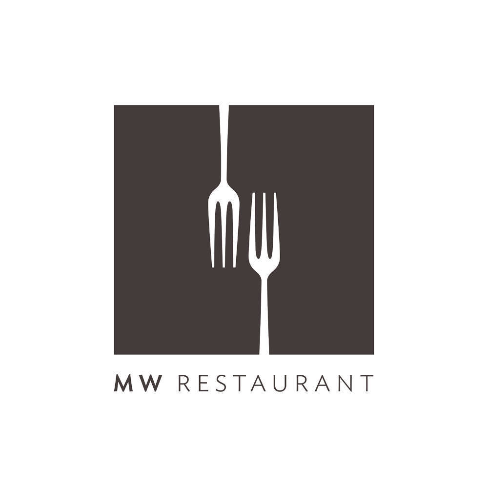 MW Restaurant - Table of 4 00135