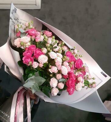 Микс из кустовых пионовидных роз