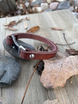 Loni Leather Bracelet - Silver Hook Clasp