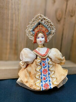 """Vintage Russian Doll 4.7""""( Gold Dress)"""